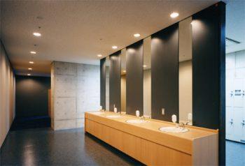 更衣・シャワー室